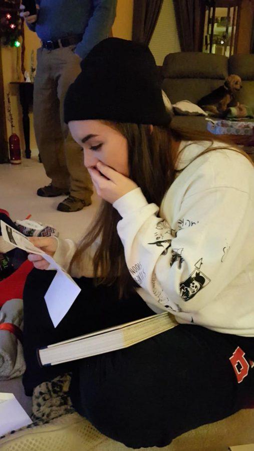 Nicole+Ardovino+receives+tickets+to+Hamilton+for+Christmas